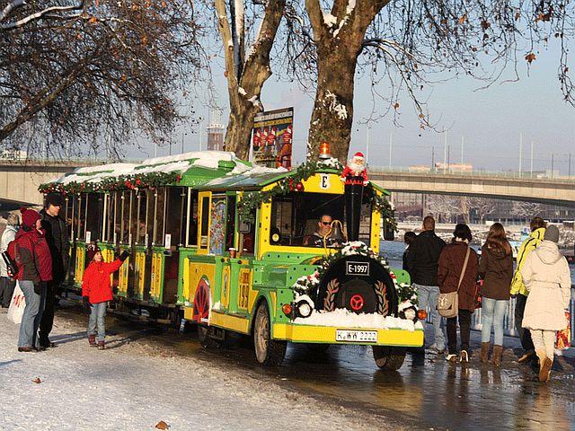 Kölner Weihnachtsmarktexpress_Bilder Wolters Bimmelbahnen