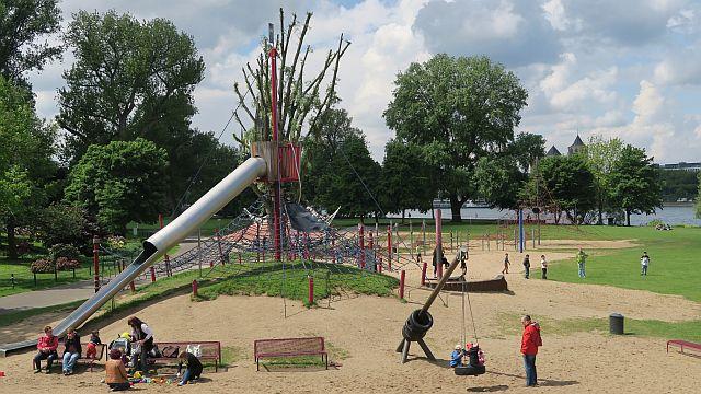 Köln_Rheinpark_Köln mit Kind (17kl)
